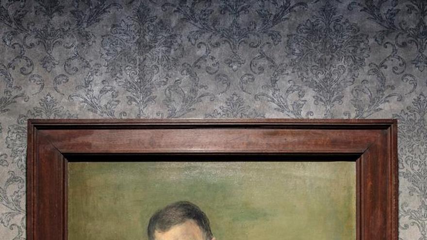 Este retrato de Galdós, no tan conocido como el que le hizo Sorolla y hoy en día perteneciente a la colección del Gabinete Literario, fue realizado por Juan Carló en 1918, dos años antes de la muerte del escritor, siendo el último que se le hizo en vida