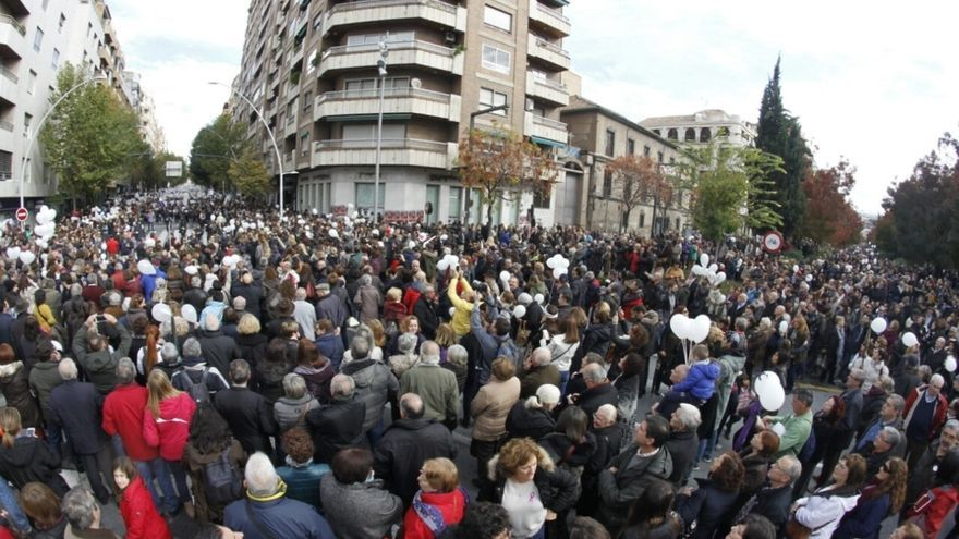 Decenas de miles de personas se vuelven a manifestar contra la fusión hospitalaria