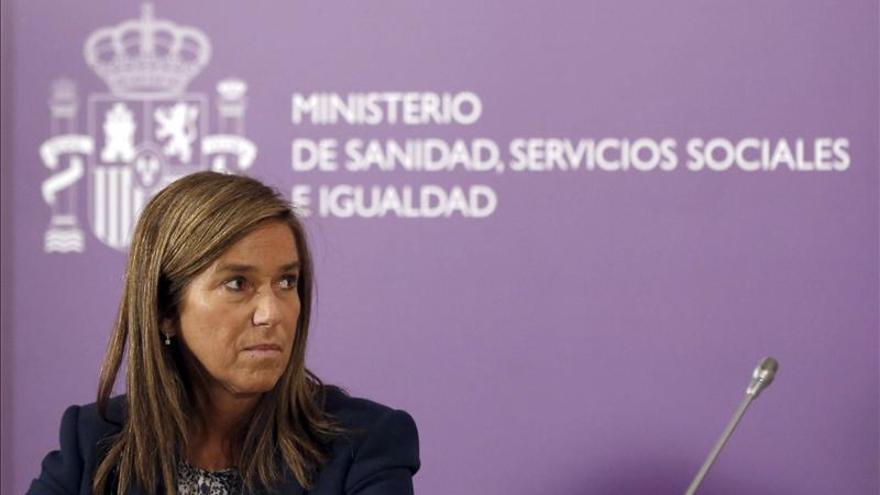 Mato admite la necesidad de acercar la tasa de enfermeras de España a la UE