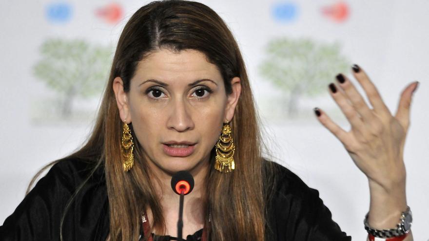 MÉXICO-CAMBIO CLIMÁTICO:MEX95. CANCÚN (MÉXICO), 09/12/2010.- La negociadora de Cambio Climático de Venezuela Claudia Salerno participa hoy, jueves 9 diciembre de 2010, en una rueda de prensa en el marco de la XVI Conferencia de las Partes de la ONU sobre Cambio Climático en Cancún (México).