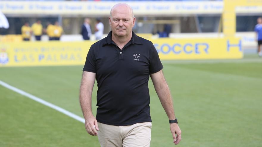 Pepe Mel, antes del inicio del encuentro de la UD Las Palmas el pasado sábado en el Gran Canaria.