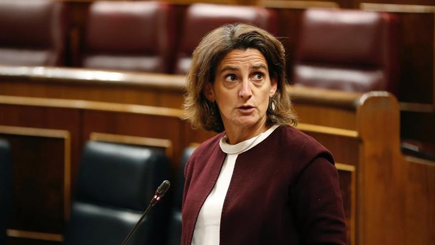 Ribera confirma que la CNMC fijará los peajes eléctricos y de gas desde enero