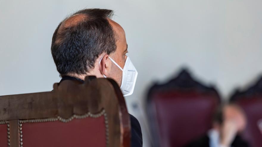 El acusado, este martes en la Audiencia Provincial de Toledo. EFE/Ángeles Visdómine