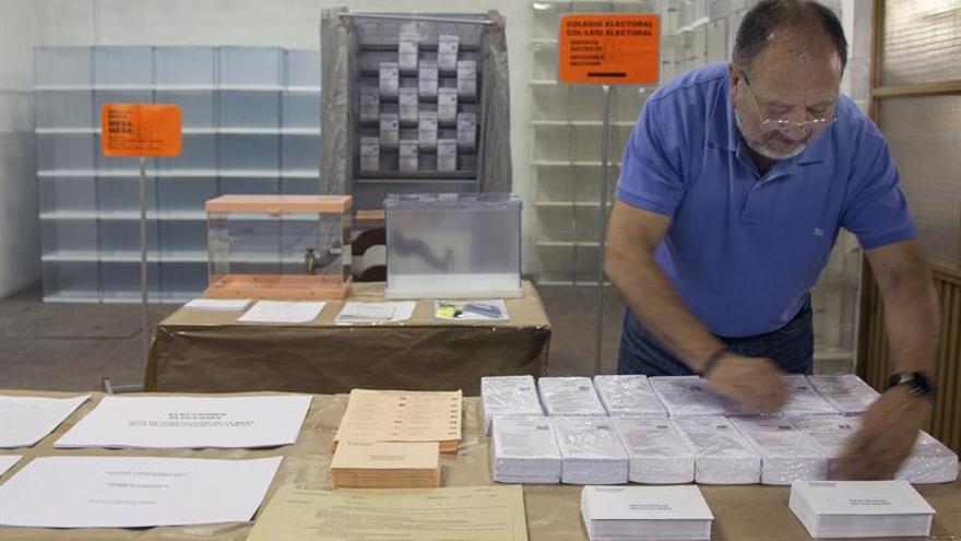 Más de 57.500 mesas electorales se preparan para acoger los votos del 26J