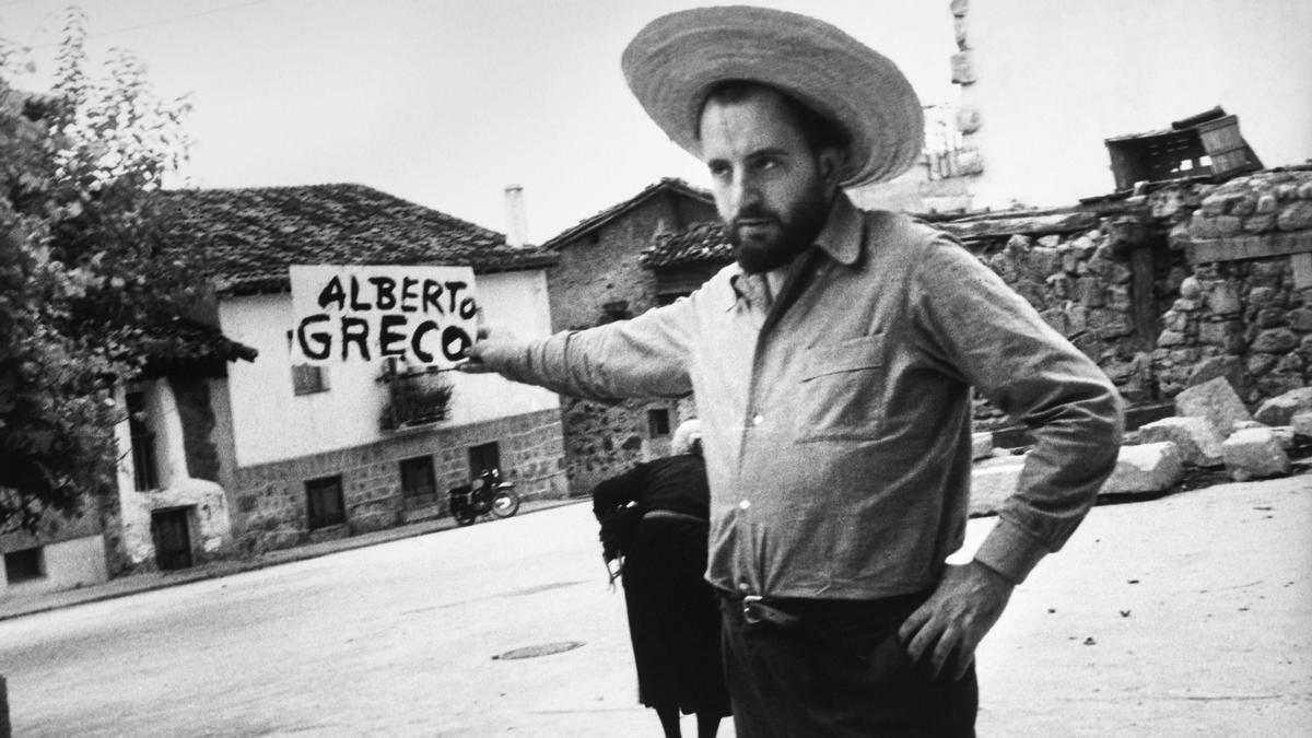 Alberto Greco en Piedralaves, España, en 1963