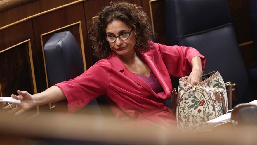 El Gobierno se encomienda al brazo incorrupto de Montoro y se lleva un revolcón