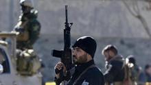 """Armas y temor en la Ashura afgana: """"ISIS buscará nuevos objetivos"""""""