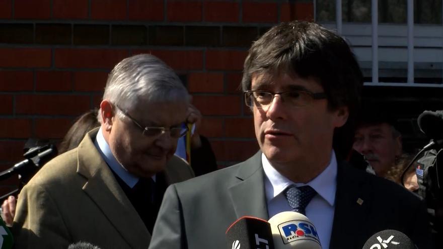 """Puigdemont reclama al Gobierno que se siente a negociar: """"Es un caso político"""""""