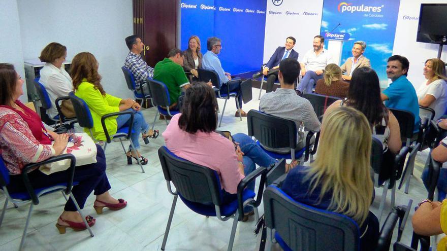 Reunión para la elección de diputados provinciales en el PP.