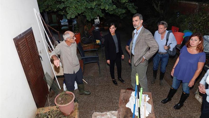 Los Reyes se solidarizan en Sant Llorenç con las víctimas de la riada