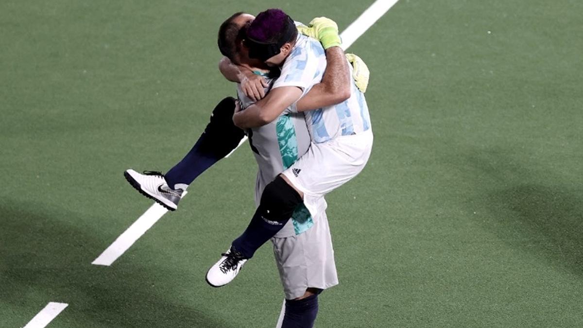 Argentina se impuso merced a dos goles anotados por Maximiliano Espinillo.