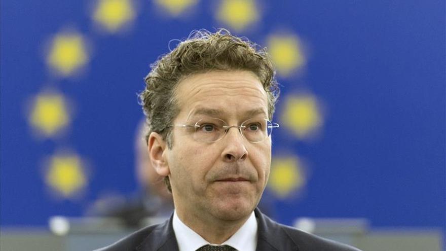 Dijsselbloem dice que la Unión Económica y Monetaria requiere compartir riesgos