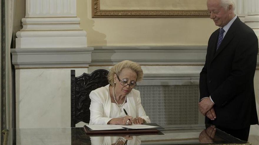 Jura el equipo ministerial que gobernará Grecia hasta las elecciones