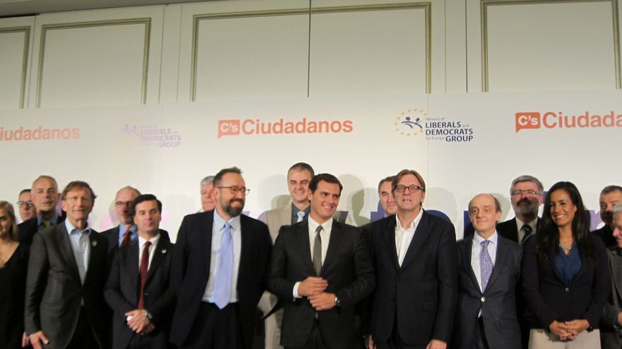Rivera afirma ante líderes europeos liberal demócratas que trabajará por recuperar la confianza de la UE en España