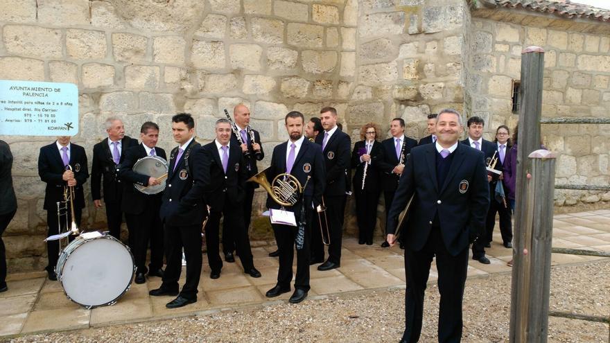 Luis Miguel (a la derecha de la imagen, con un platillo en la mano), junto a sus compañeros de la Banda Municipal de Música de Palencia.