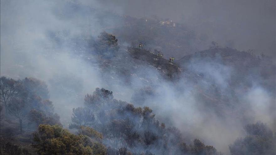 Estabilizado el incendio forestal en Los Montes de Málaga
