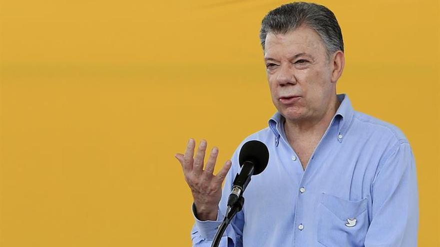 """Santos publica su declaración de renta tras figurar en los """"Papeles del Paraíso"""""""