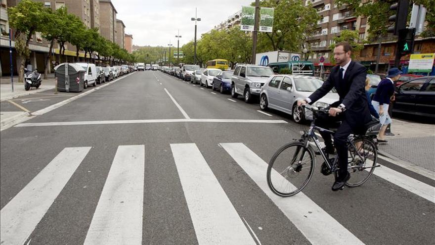 Vitoria prohíbe desde hoy circular en bici por el centro en horas comerciales