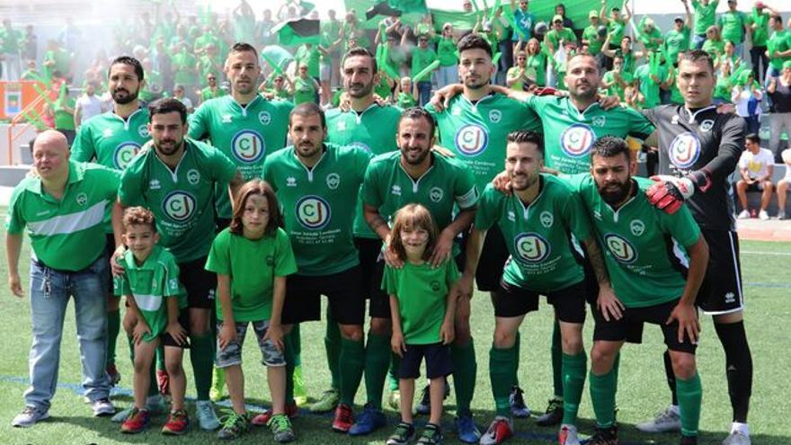 Imagen de la jornada de ascenso del Atlético Paso a la Tercera División.