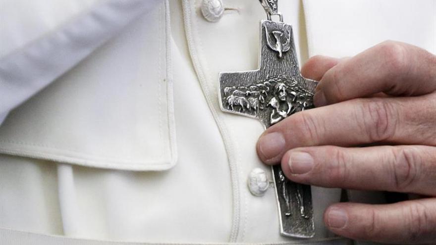 """El papa insta a la """"vía diplomática"""" para resolver el conflicto con Corea"""