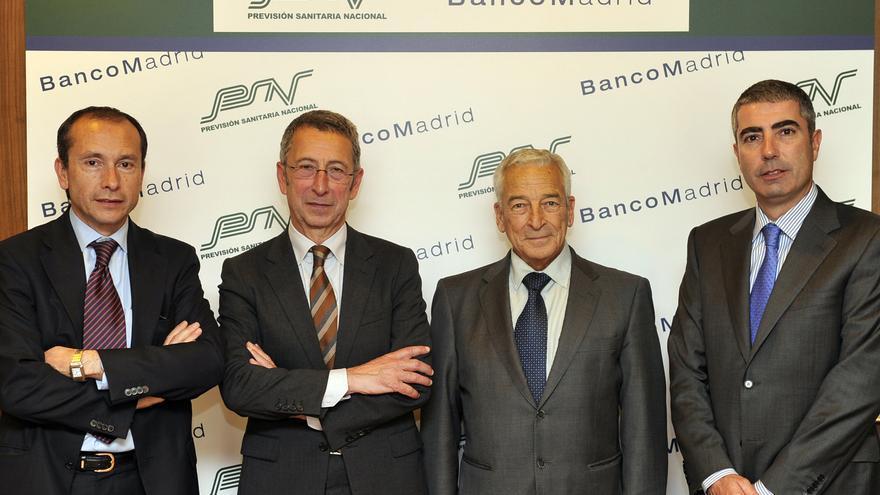 Los presidentes de Banco Madrid y PSN, José Pérez Fernández y Miguel Carrero, respectivamente, flanqueados por el director general de PSN, José María Martín Gavín, y el entonces consejero delegado de Banco Madrid, Joan Pau Miquel. Foto: PSN