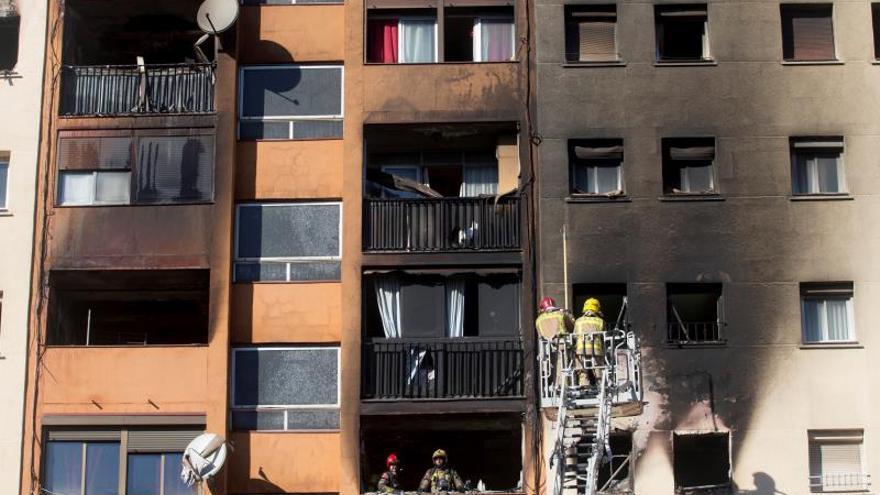 Una sobrecarga en un piso ocupado, posible causa del incendio de Badalona