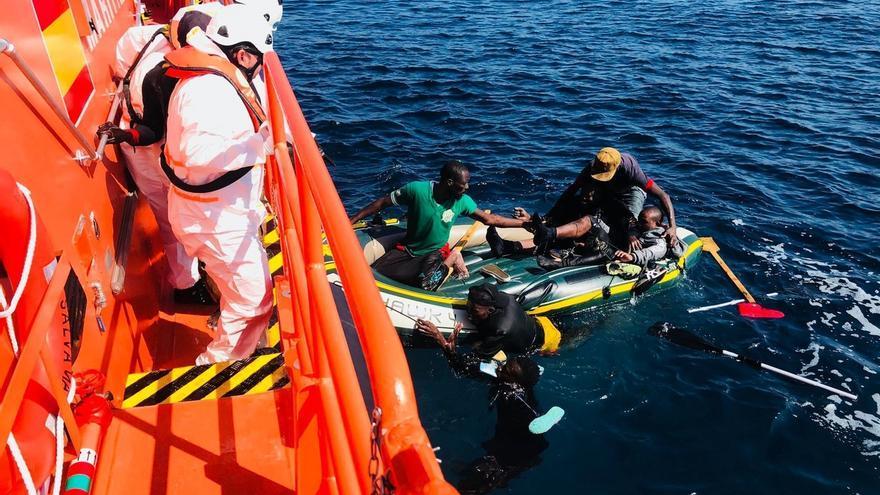 Rescatadas 394 personas de nueve pateras localizadas en Alborán, el estrecho y Ceuta y Marruecos recoge otra