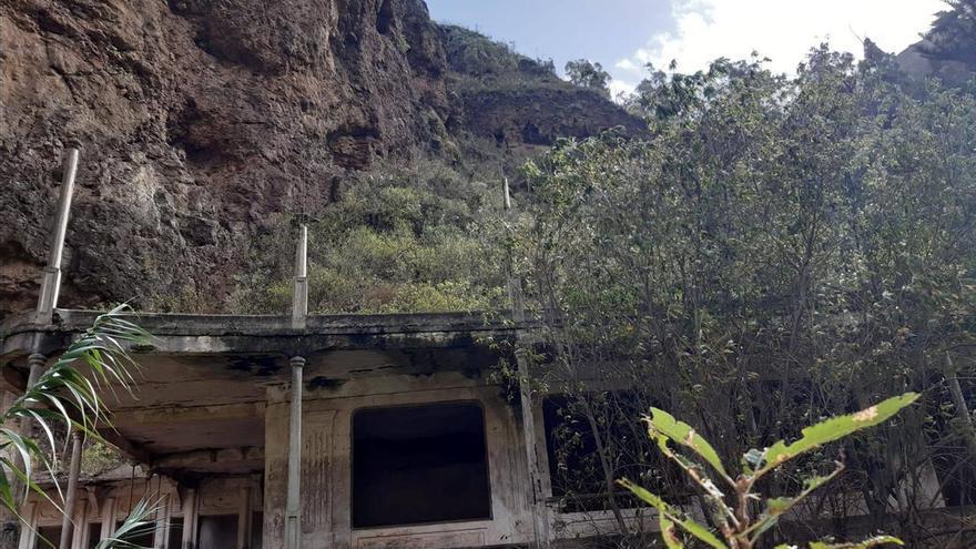 Un colectivo ecologista alerta del deterioro de la reserva natural de Azuaje por el