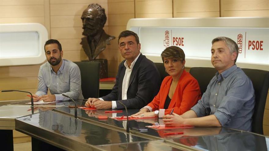 Un enviado de la gestora del PSOE seguirá la noche electoral estadounidense junto a Clinton
