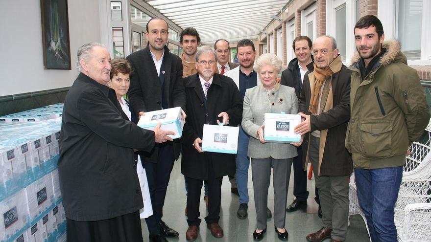 La Fundación Asilo recibe 1.500 litros de leche del Desafío de la Carrera del Hojaldre