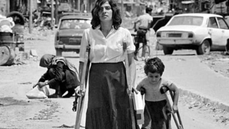 Fotografía que simbolizó la desintegración del líbano / Maher Attar