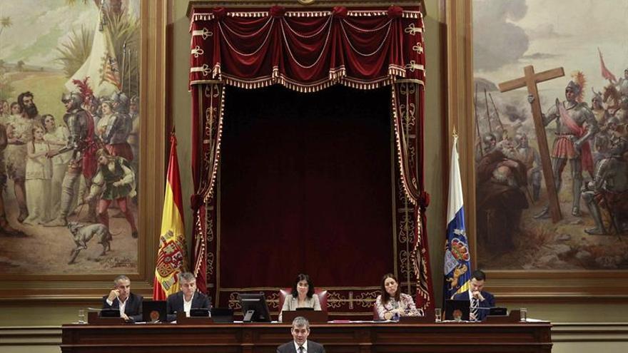 El presidente del Gobierno de Canarias, Fernando Clavijo, durante su intervención en la segunda jornada del debate