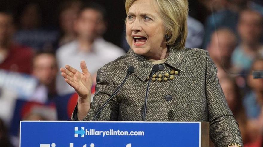 Clinton acapara las donaciones de campaña de Wall Street, según el WSJ