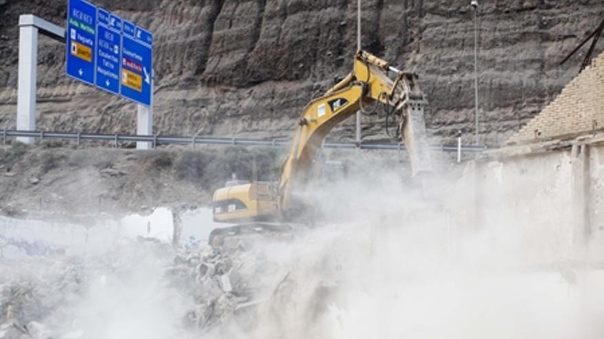 Demolición de una nave en el barrio de El Rincón. Ayuntamiento de Las Palmas de Gran Canaria.