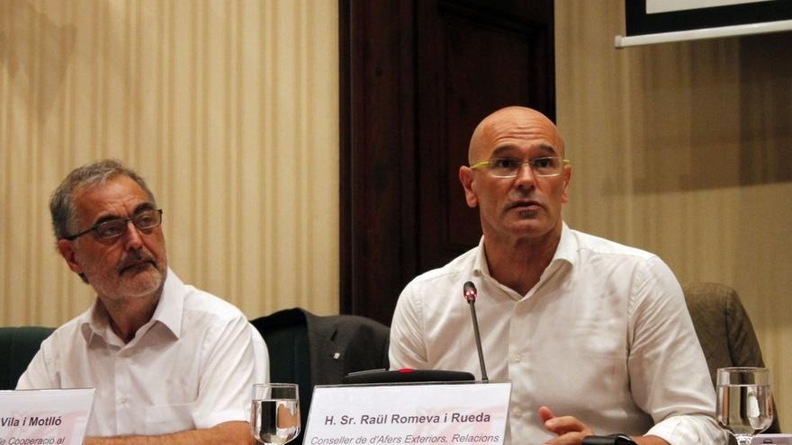 PP, PSOE y Ciudadanos se alían en las Cortes para instar al Tribunal de Cuentas a fiscalizar las 'embajadas' catalanas