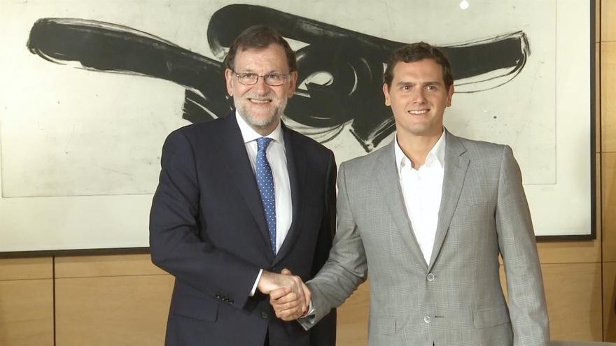 """Rajoy, dispuesto a gobernar en minoría pero pide """"responsabilidad"""" a PSOE y C's para aprobar los presupuestos"""