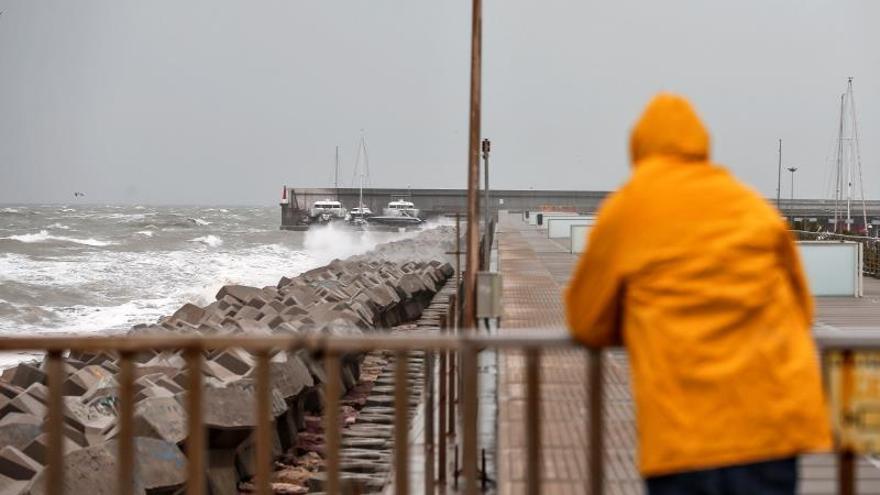 Más de media España en alerta por lluvias, nieve, fuerte viento y mala mar