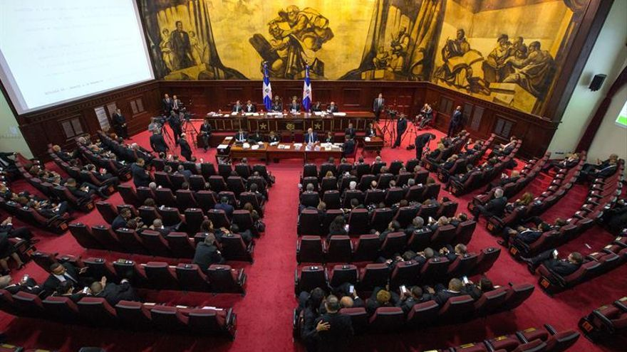 Ley para regular la política en R.Dominicana divide al oficialismo y la oposición