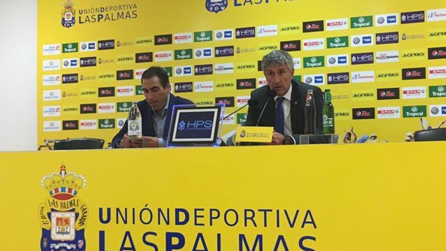 El entrenador de la UD Las Palmas, Quique Setién, durante una rueda de prensa. (Twitter oficial UD Las Palmas).