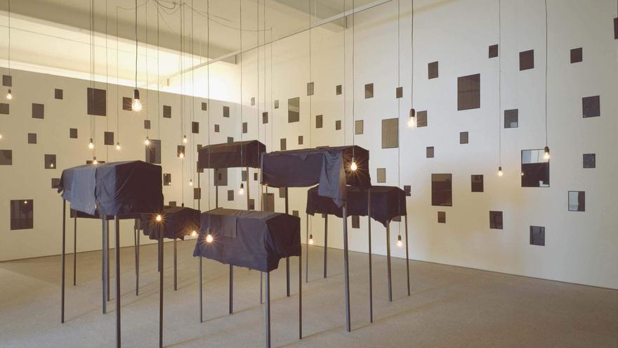 Les Tombeaux, de Christian Boltanski.