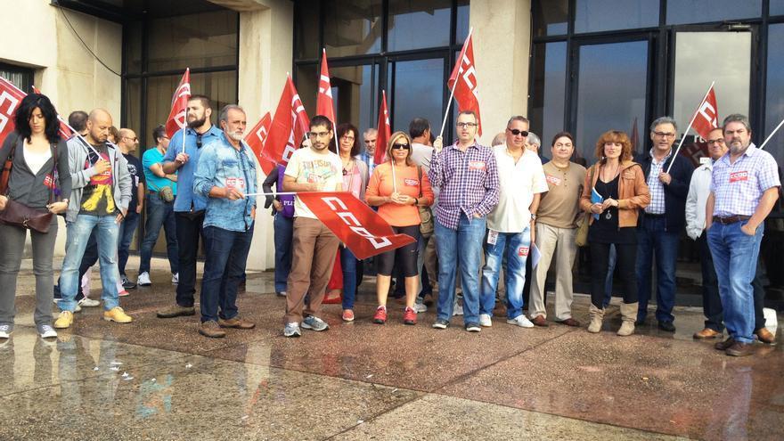 Concentracion frente a sede de RTVE Toledo