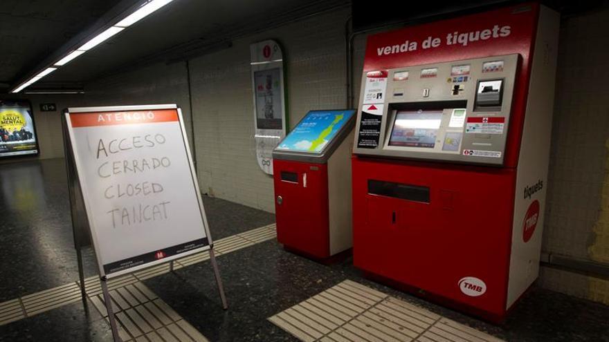 TMB: metro y autobuses de Barcelona funcionan por encima de servicios mínimos