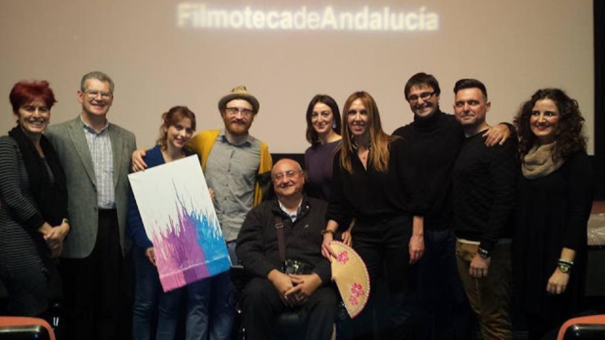 Los actores Leticia Dolera y Manuel Burque tras la proyección de su película 'Requisitos para ser una persona normal' en el ciclo Discapacine. (Foto. Foro Andaluz Bienestar Mental)