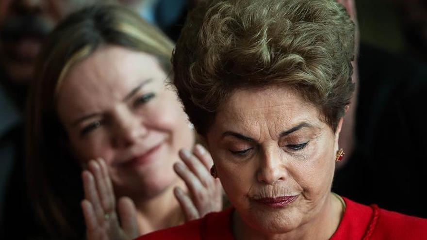 """La crisis política de Brasil se """"judicializa"""" tras la destitución de Rousseff"""