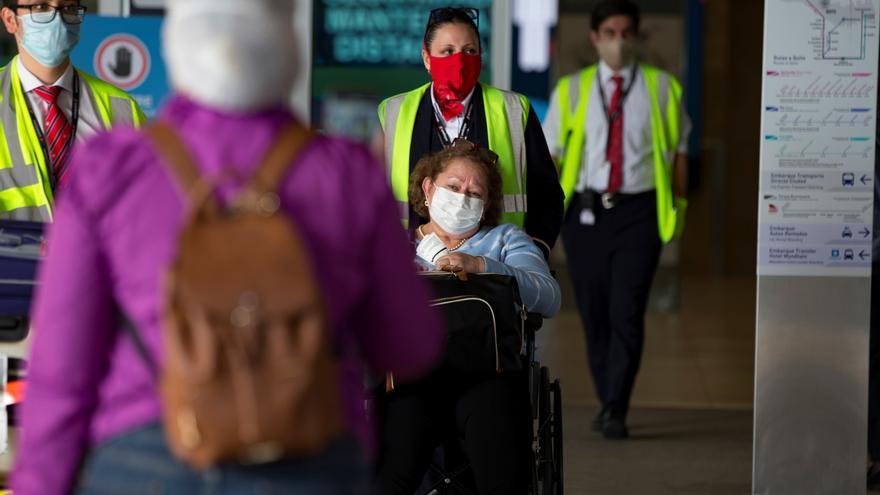 Nuevos requisitos en Ecuador para pasajeros de arribo internacional