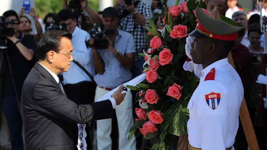 Fidel Castro coincide con Li Keqiang en la necesidad de preservar la paz mundial