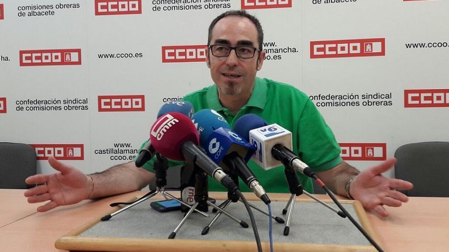 Paco de la Rosa en la sede de CCOO Albacete, este viernes.
