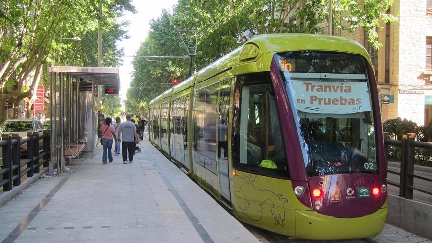 """El alcalde insiste en su convencimiento de que """"el tranvía va a funcionar más pronto que tarde"""""""