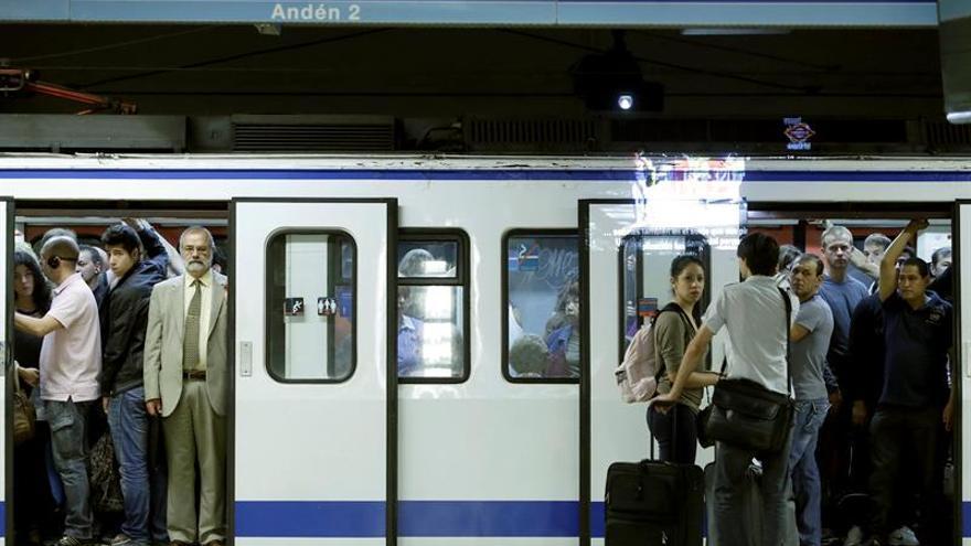 Metro de Madrid vendió trenes con amianto a Buenos Aires pese a que ya no lo permitía la ley.