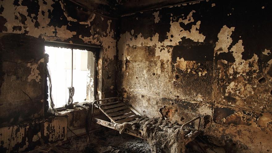 Una de las salas del hospital de Kunduz tras el ataque de la aviación norteamericana el pasado 3 de octubre   Foto: Andrew Quilty